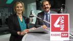 Maya Graf von den Grünen und Duri Campell von der BDP diskutieren im Studio von SRF 4 News über die Fair-Food-Initiative der Grünen.