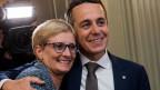 Der neu gewählte Bundesrat Ignazio Cassis, FDP-TI, und seine Frau.