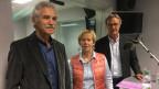 Zu sehen sind von links nach rechts Oswald Sigg, Dora Andres und Peter Bertschi.