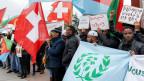 Eritreer, die in der Schweiz leben, protestieren in Genf gegen die jüngste Annäherung der Schweiz an das eritreische Regime.
