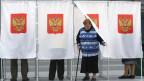 Eine Frau in einem Wahllokal in Moskau, Russland, am 18. September 2016.