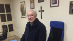 Don Peppino Gambardella ist seit 25 Jahren Pfarrer in Pomigliano. Bild: Franco Battel.