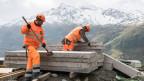 Symbolbild. Bauarbeiter auf einer Schweizer Baustelle.