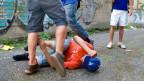 Gewalt in Schulhaus. Gestellte Szene.