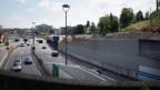 Symoblbild. Arbeiten an einer Autobahn.