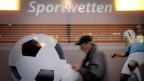 Verbieten will man die korrekten Sportwetten nicht. Gerade in der Schweiz leben viele kleine Clubs von der Unterstützung der Sporttoto Gesellschaft.