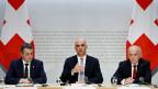 Bundespräsident Alain Berset, Mitte, an der Seite von Bundesrat Ueli Maurer (re.), und Bundesrat Ignazio Cassis (li.), an dereiner Medienkonferenz über das Rahmenabkommen mit der EU.