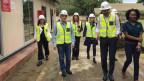 Der Bundesrat Ignazio Cassis besucht eine Mine in Sambia.