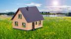 Einfamilienhaus auf der grünen Wiese.