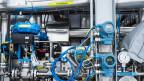 Druckmesser und Gasröhren an der Methanisierungs-Anlage im Werk der Regio Energie Solothurn.