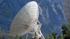 Satellitenanlage mit Parabolantennen auf dem Plateau von Brentjong oberhalb von Leuk im Kanton Wallis. Symbolbild.