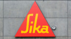 Das Signet der Sika an ihrem Hauptsitz.