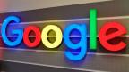 Das Logo von Google an der Sihlpost in Zürich.