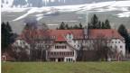 Das ehemalige Jugendheim in Prêles hoch über dem Bielersee.