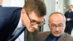 Konrad Langhart, (re.), Präsident SVP Kanton Zürich und Hans-Jakob Boesch, Präsident FDP Kanton Zürich im Medienzentrum der kantonalen Wahlen in Zürich.