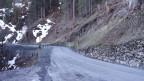 Die Zufahrtsstrasse zum Safiental