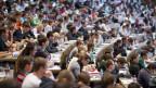 Symbolbild. Studenten in einem Hörsaal der Universität St. Gallen.