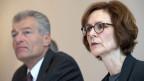 Monika Rühl, Vorsitzende der Geschäftsleitung Economiesuisse (rechts) und Heinz Karrer, Präsident Economiesuisse.