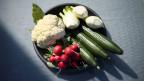 Eine Gemüseplatte: Gesünder Essen ohne Pestizide.