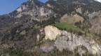 Blick auf den Teil des Berges im Mitholz, welcher wegen der Explosion des Armee-Munitionslagers abgebrochen ist.