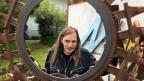 Samuel Peyer, wohnt und arbeitet als Künstler in der aargauischen Gemeinde Vordemwald. Er ist überzeugter Nichtwähler.