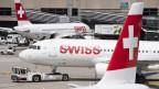 Symbolbild. Swiss-Flugzeuge auf dem Flughafen in Zürich.