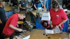 Ausbildungszentrum von Swissmechanic Bern-Biel in Herzogenbuchsee: Lehrlinge in den ersten Wochen der Grundausbildung.