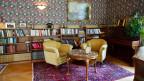 Salon im Hotel Rosenlaui im Berner Oberland.