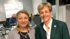 Auf dem Bild sind die beiden Nationalrätinnen Yvonne Feri (SP) und Verena Herzog (SVP) zu sehen.