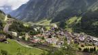 Blick auf das Dorf Wassen im Kanton Uri.