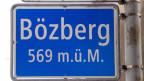 Das Ortsschild von Bözberg.