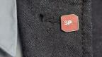 Pin mit SP-Logo. Symbolbild.