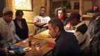 Filmausschnitt aus «Pas le flics, pas les Noirs, pas les Blancs» von Ursula Meier aus dem Jahr 2002.