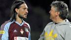 Am 18. April gab es bei der AC Bellinzona noch zufriedene Gesichter: Spieler Hakan Yakin und Trainer Martin Andermatt.