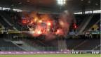 FCZ Fans zünden Leuchtkörper vor dem Meisterschaftsspiel gegen YB.