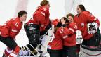 Die Schweizer Eishockey-Frauen in Sotschi. Gut die Hälfte des Teams kommt von ZSC und Lugano.