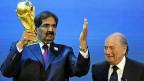Der Emir von Katar mit FIFA-Präsident Blatter - im Dezember 2010, nachdem Katar den Zuschlag für die Fussball-WM 2022 erhalten hatte.