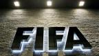 So weit alles ok. Die Vergabe der Fussball-WM nach Russland und Katar sei rechtens, sagt die Ethik-kommission der FIFA. Etwas Korruption gehöre halt einfach dazu.