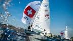 Maja Siegenthaler und Liselotte Fahrni auf dem Schweizer 470er-Olympiaboot «Liselotta». Die erste von insgesamt zehn Regatten startet am Mittwochabend, 10. August.