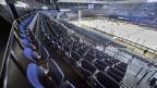 Leere Zuschauerränge im Zürcher Hallenstadion beim Eishockeyspiel der National League ZSC Lions gegen den EV Zug am Samstag, 29. Februar 2020. Wegen dem Coronavirus findet das Spiel unter Ausschluss der Öffentlichkeit statt.