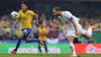 Der brasilianische Nationalspieler Neymar und der Kroate Dusan Basta an einem Freundschaftsspiel am 12. Juni 2014.