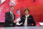 Die beiden Wahlsieger im Tessin, Marina Carobbio Guscetti, SP, und Marco Chiesa, SVP, geben sich die Hand.