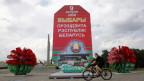 Ein Wahlplakat des amtierenden weissrussischen Präsidenten Alexander Lukashenka in der Hauptstadt Minsk.