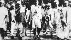 Erste Schritte in die Unabhängigkeit: Salzmarsch, 1930.