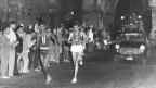 Abebe Bikila gewinnt den olympischen Marathon 1960 in Rom barfuss