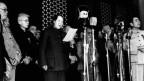 Mao Zedong ruft am 1. Oktober 1949 auf dem Tiananmen-Platz die Volksrepublik China aus.