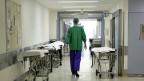 Die Studie von Santésuisse zeigt, dass SchweizerInnen zu oft ins Spital gehen.