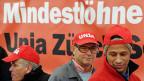 Die gewerkschaftlichen Forderungen nach Lohnerhöhungen und Mindeslöhnen sind zumindest teilweise erfüllt. Kundgebung am 3. April 2013 in Winterthur.