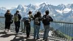 Im vergangenen Jahr haben Schweizerinnen und Schweizer wieder vermehrt ihre Ferien im eigenen Land verbracht: Fast 16 Millionen Übernachtungen haben sie gebucht. Es kamen auch wieder deutlich mehr ausländische TouristInnen in die Schweiz.