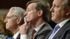 Credit-Suisse-CEO Brady Dougan (Mitte) vor dem US-Senatsausschuss.